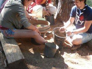 atelier d'argile pour la fabrication du torchis.
