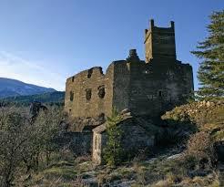 Brésis, Un château du XII° siècle, monument historique, ne parvient pas à se relever de son histoire…