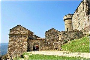 Château d'Aujac et son village castral
